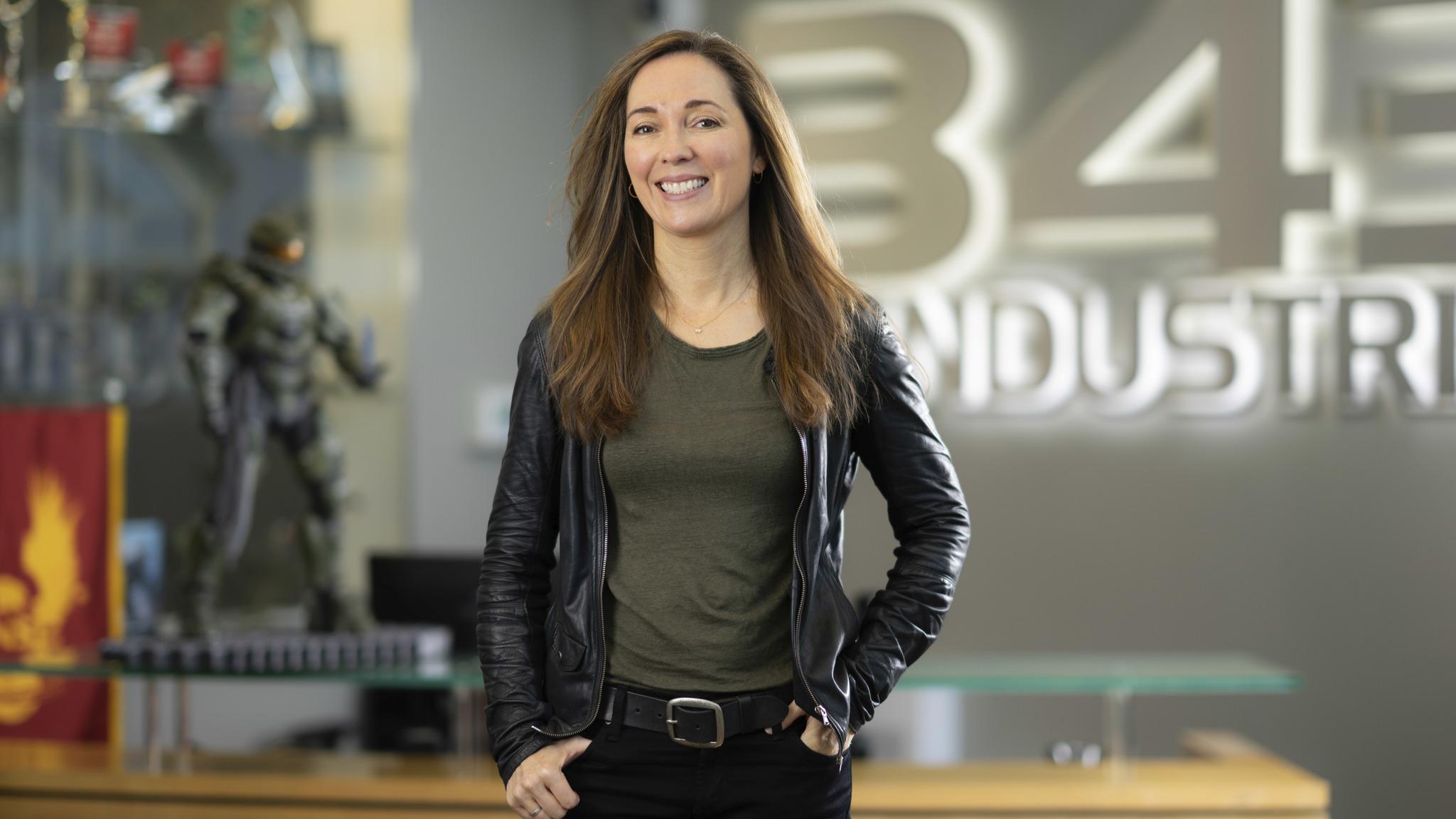 Photo of نائبة استوديو التطوير 343 Industries تعتذر للاعبين عن خبر تأجيل Halo القادمة